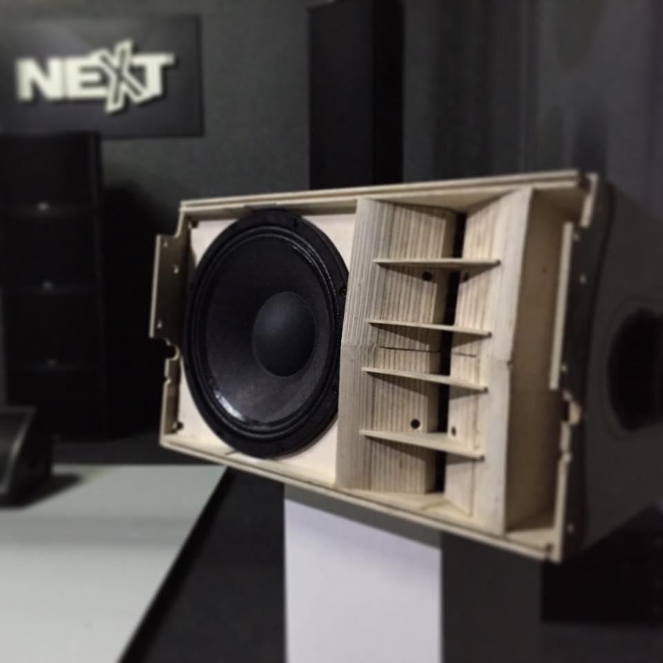 Loa sub Next được thiết kế gọn nhẹ, chắc chắn và thẩm mỹ