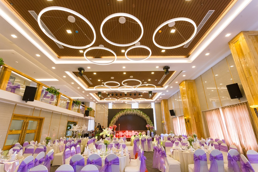 Hội trường nhà hàng tiệc cưới Vạn Hoa- HÀ Nội