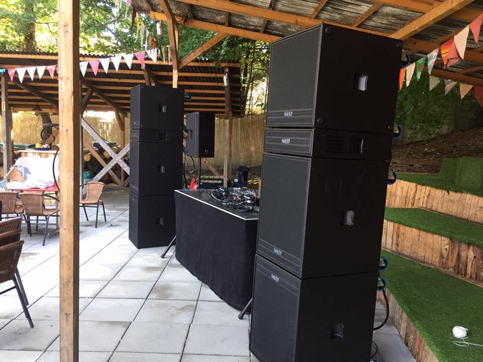 Lắp đặt hệ thống âm thanh phòng trà ngoài trời